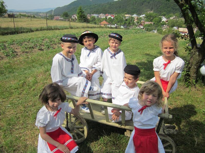 materska-skolka-2011-06-03-04