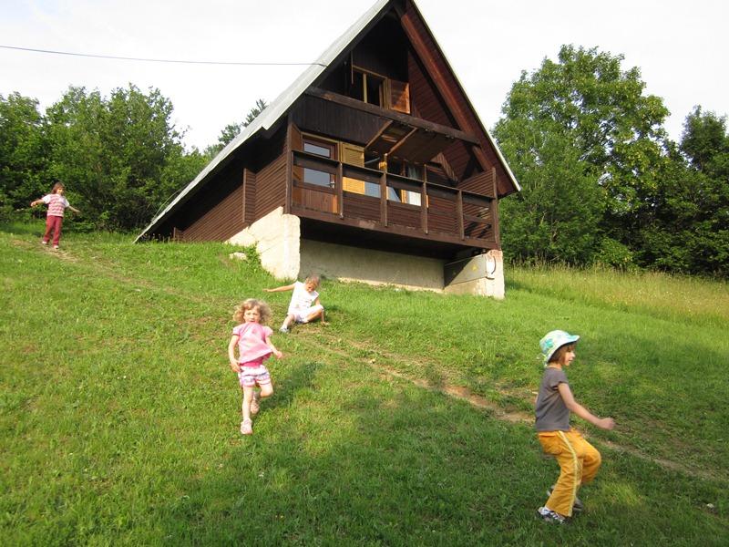 materska-skolka-2011-06-16-11
