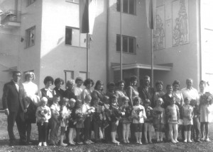 Ročník ZŠ: 1963/1964 - 1. ročník v novej škole (fotené_v_roku_ 1970)