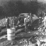 Prvé práce pri betónovaní základov (28.10.1965)