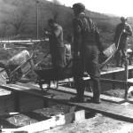 Betónovanie základov školy (05.04.1966)