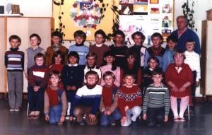 Ročníky ZŠ: 1974/1975 + 1976/1977 (fotené_v_roku_1985)